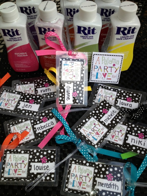 Luggage tags and notebooks