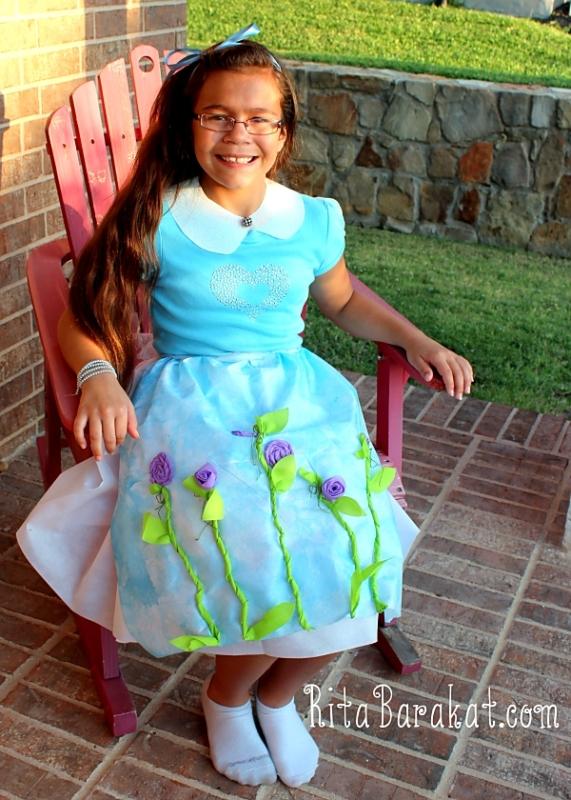 08 - Rita Barakat - Homemade Alice in Wonderland Costume