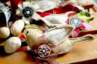scrap-fabric-bird-ornaments-2