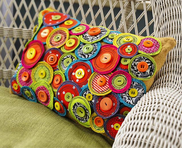Pillow Craft Ideas: Free motion sewing pinwheel pillow   365 Days of Crafts DIY Art    ,