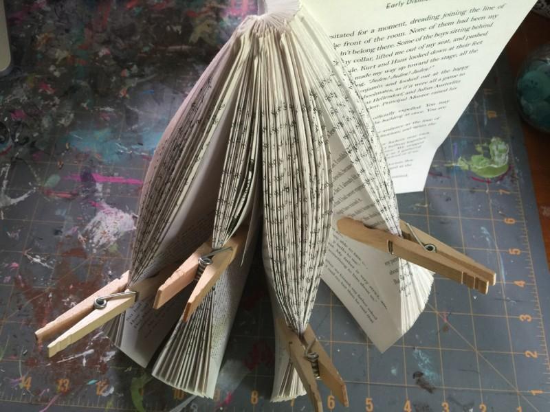 make a book tree for christmas