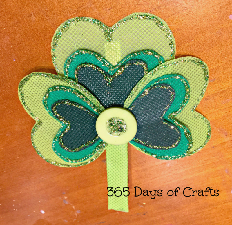 drying shamrock hair clip
