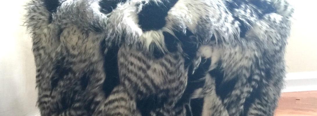 faux-flokati-fuzzy-pouf