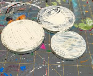 paint jar lids recycled craft ideas