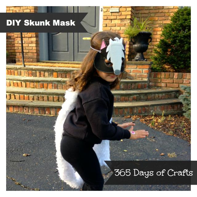 04 - 365 Days of Crafts - DIY Skunk Mask