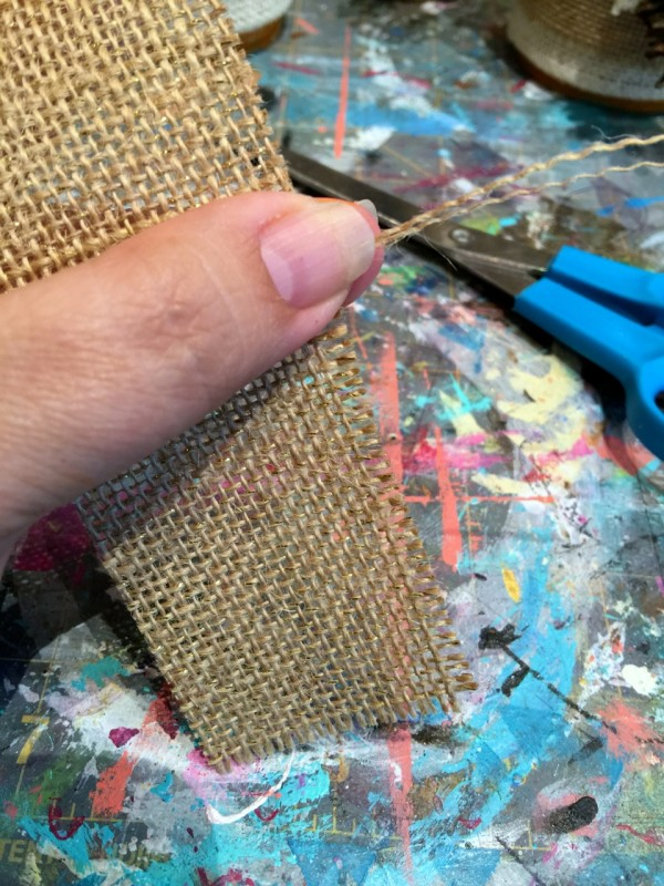 how to fringe burlap